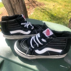 Vans Toddler Black and White high top Sneakers